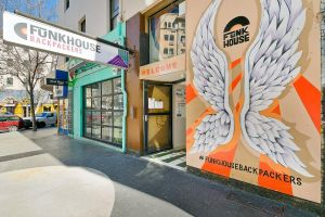 Funk House Backpackers - Sydney Tourism