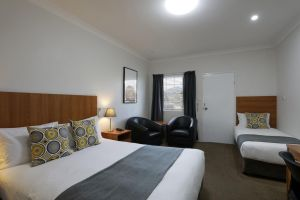 Cadman Motor Inn and Apartments - Sydney Tourism