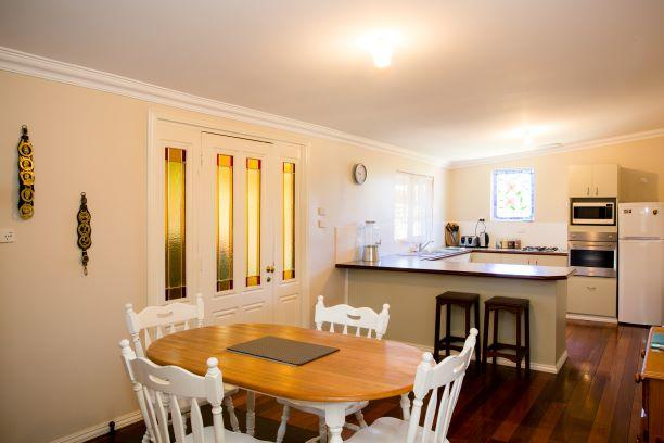 Yvonnes Rest Holiday Home - Sydney Tourism