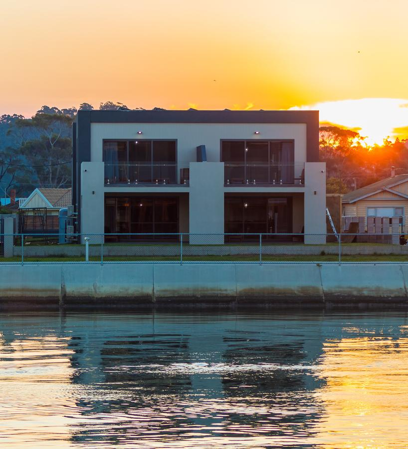 Ulverstone Waterfront Apartments - Sydney Tourism