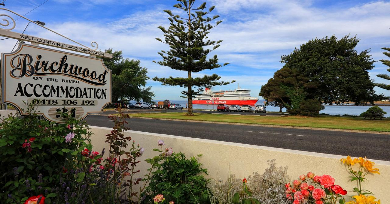 Birchwood Devonport self-contained self catering accommodation - Sydney Tourism