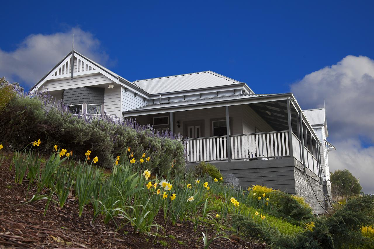 House on the Hill Bed and Breakfast - Sydney Tourism