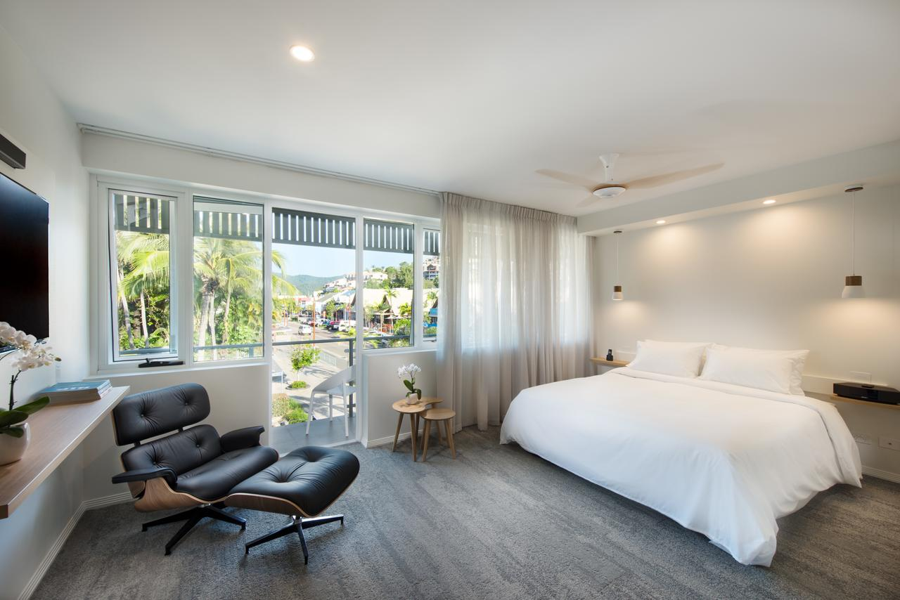 Heart Hotel and Gallery Whitsundays - Sydney Tourism