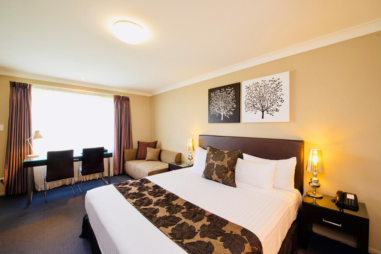 Best Western Plus Ambassador On Ruthven Motor Inn - Sydney Tourism