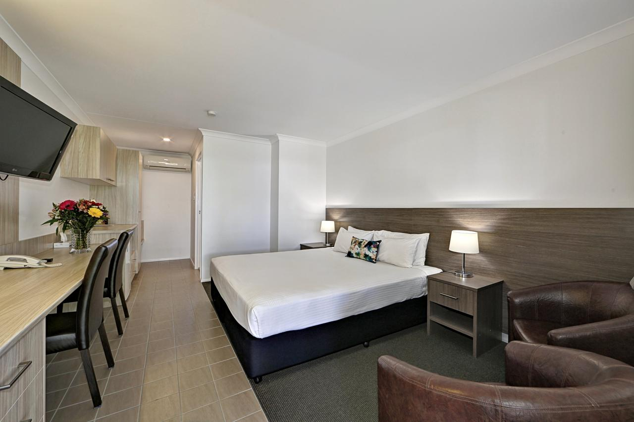 Smart Motels Bert Hinkler - Sydney Tourism