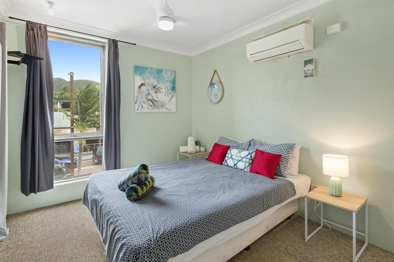 Location 2BR Town View Unit in Centre of Airlie. - Sydney Tourism