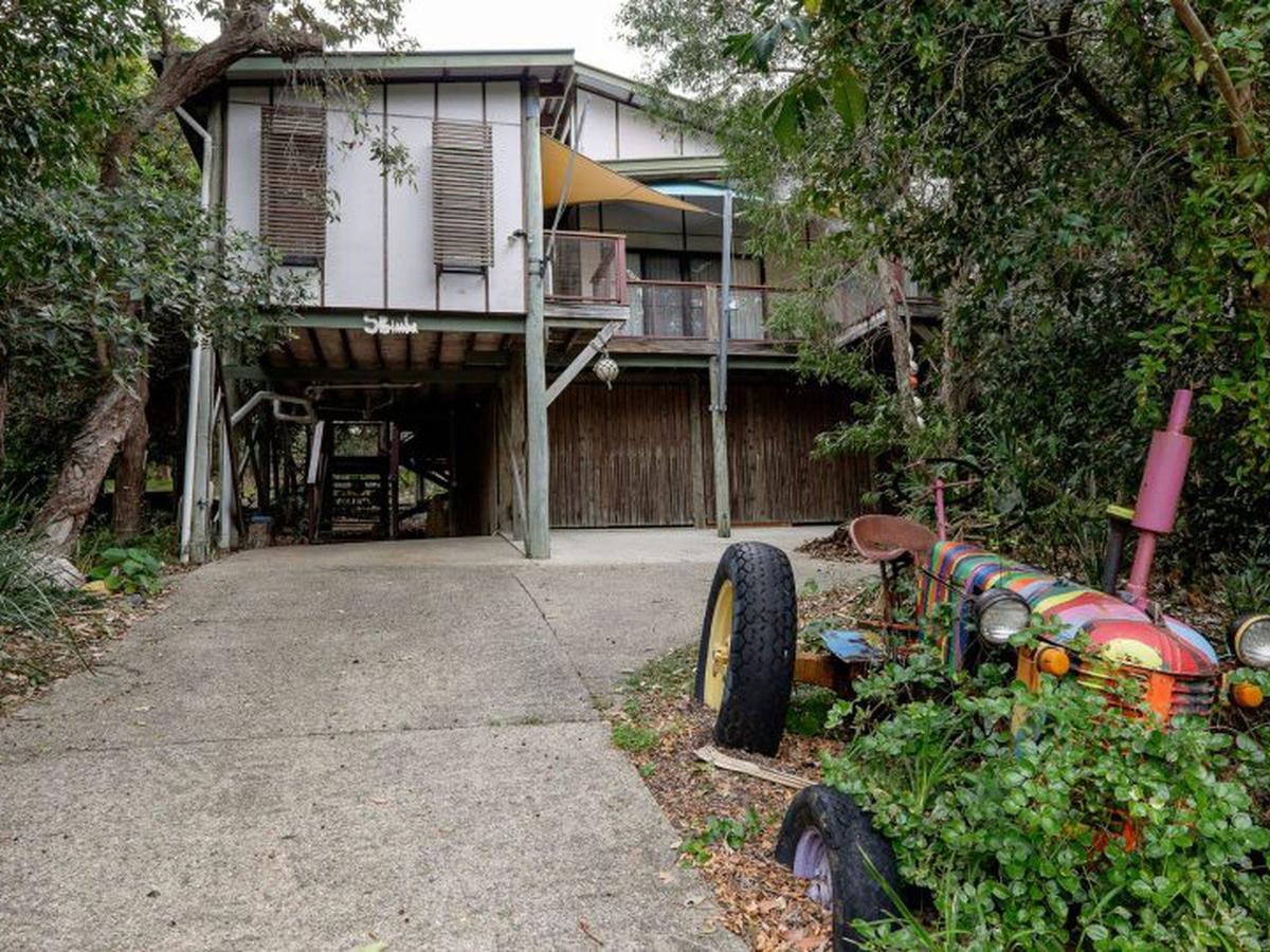 Five Bimba Tractor House - Sydney Tourism