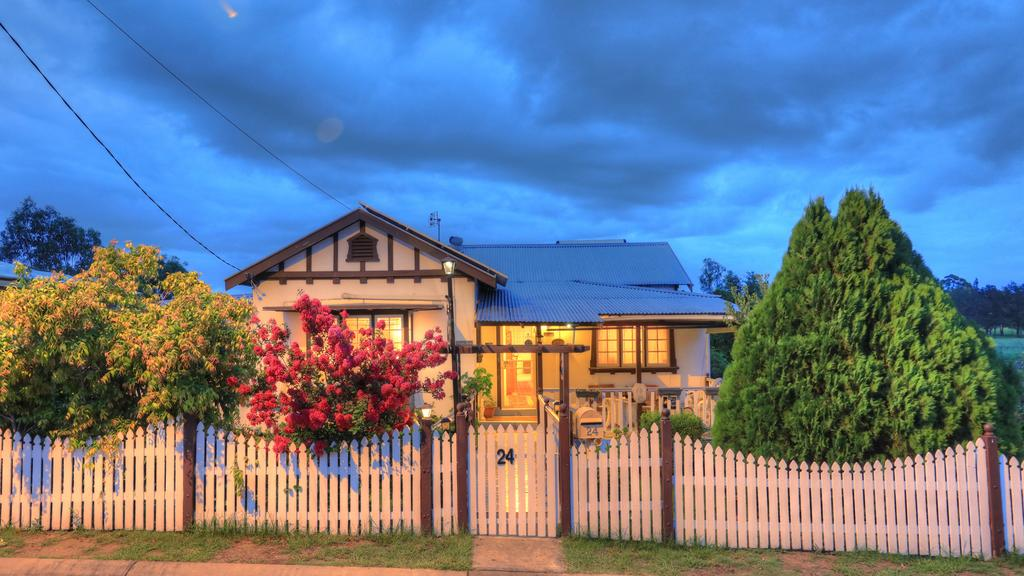 Andavine House - Bed  Breakfast - Sydney Tourism