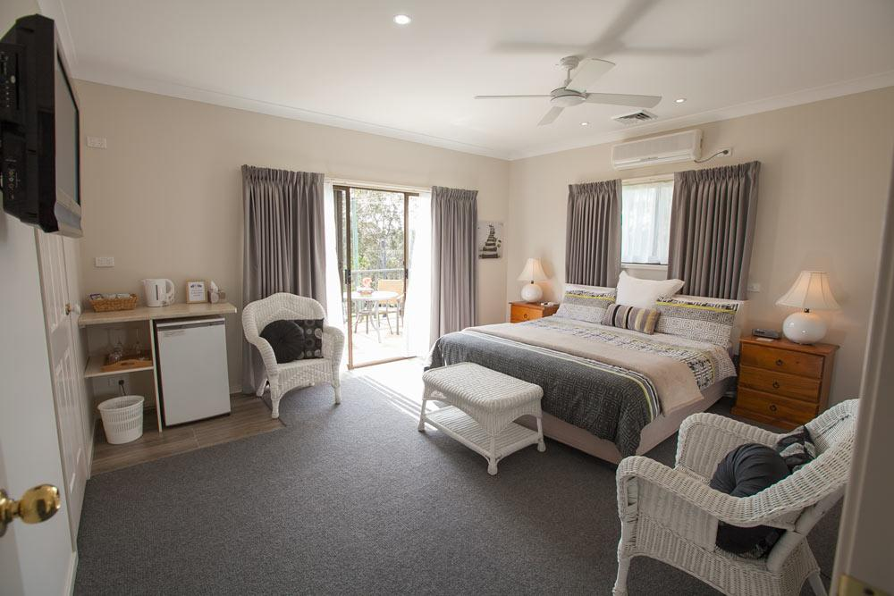 Batemans Bay Manor - Bed and Breakfast - Sydney Tourism